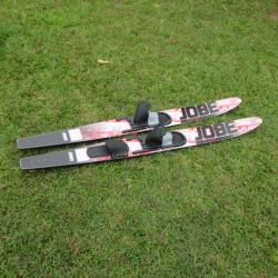 skis nautiques